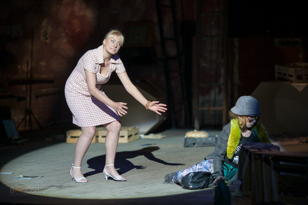 Профессиональная репортажная фотосъемка в театре Киева.
