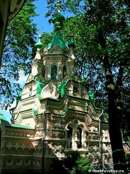 Церковь преподобного Иоанна Лествичника на территории Донского монастыря в Москве (1898 г.)