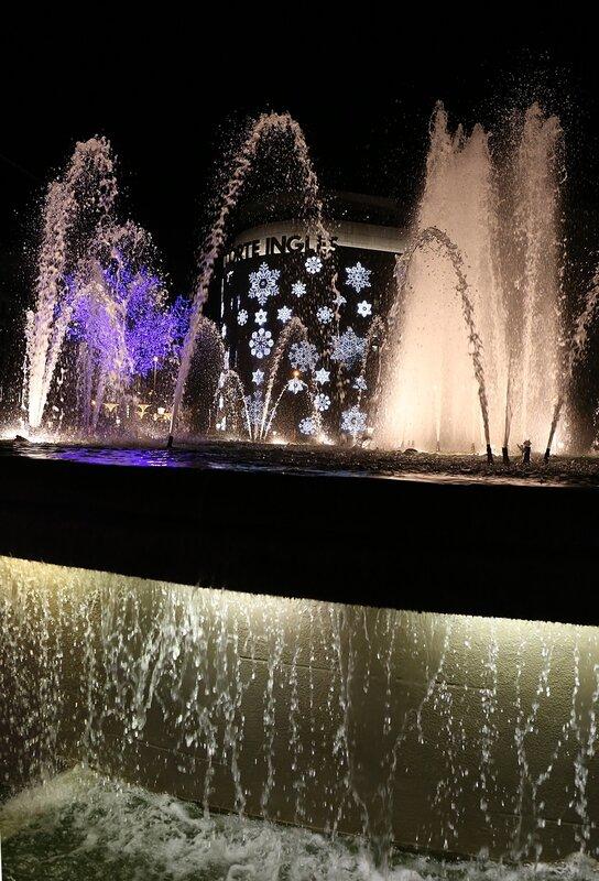 Ночная Барселона.  Площадь Каталонии
