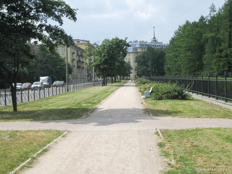 Московский парк Победы. Бассейная улица
