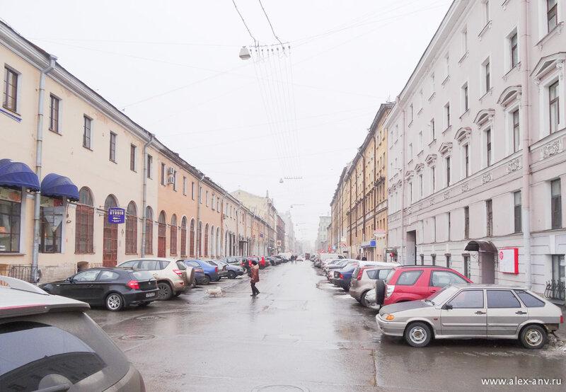 Мучной переулок, типично питерский вид.