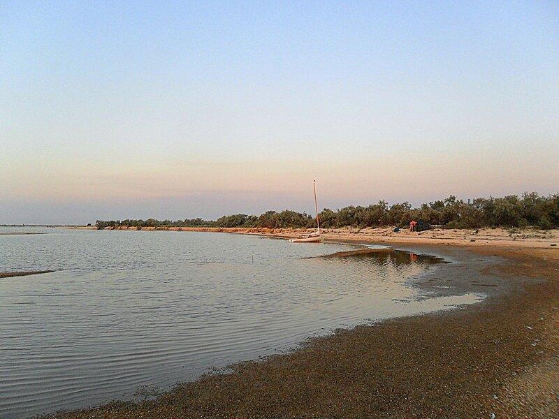 Вечерний берег летний