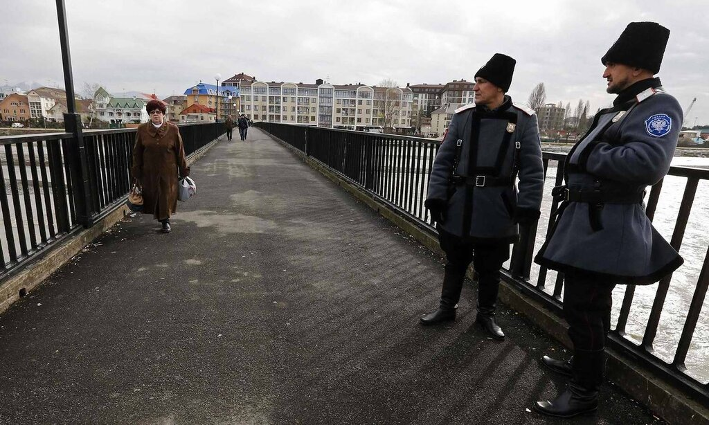 Казачьи патрули на улица города Сочи (2)