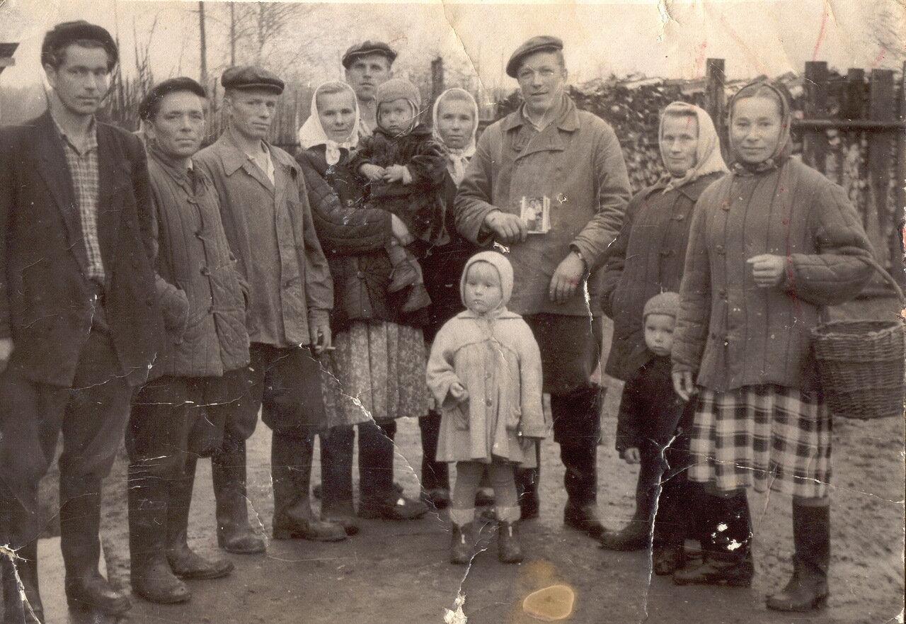 В деревне Коровново Солигаличского района. 60-е.