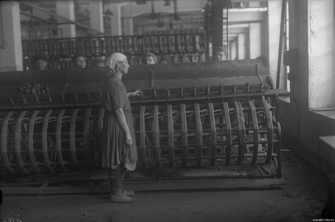 Мотальная машина фабрики-школы. 1931