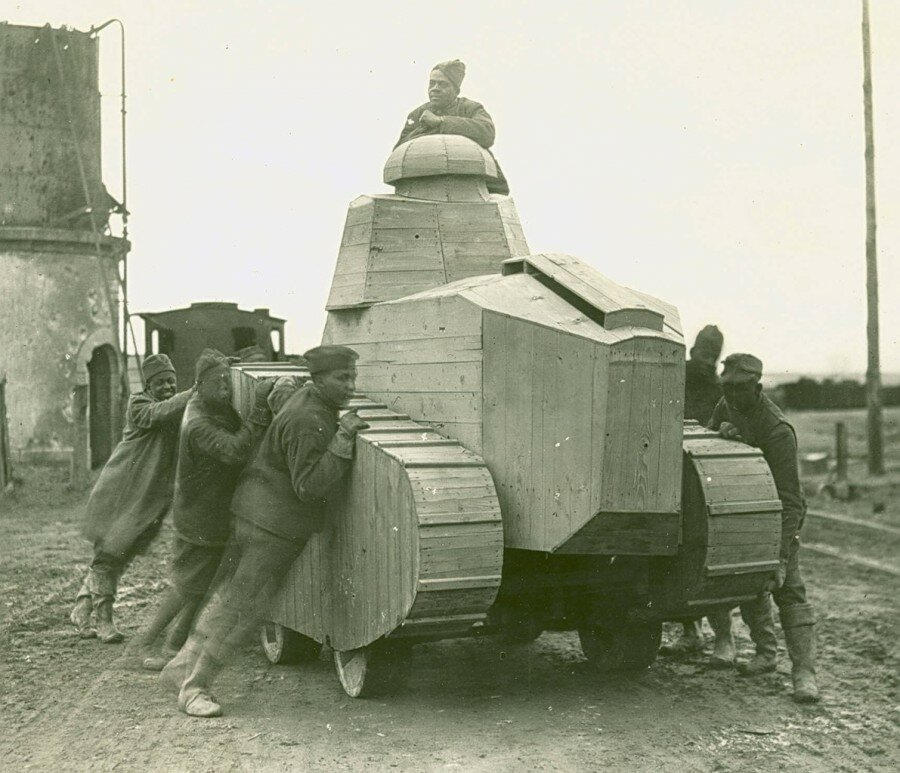 "In 1917, U.S. soldiers trained on ""kittens"" before receiving tanks"