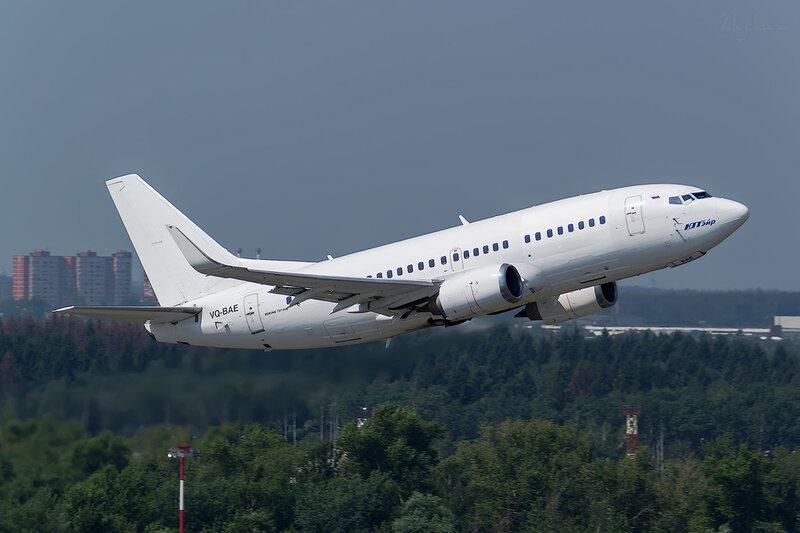 Boeing 737-524 (VQ-BAE) ЮТэйр D801524