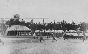 Прохождение подразделений перед командующим войсками гварди и Петербургским военным округом великим князем Владимиром Александровичем.