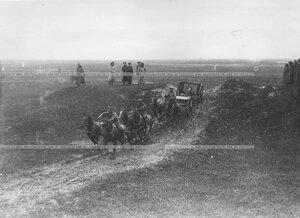 Конная артиллерия во время маневров.
