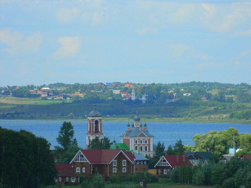 Панорама Переславля-Залесского. Церковь Сорока мучеников Севастийских.