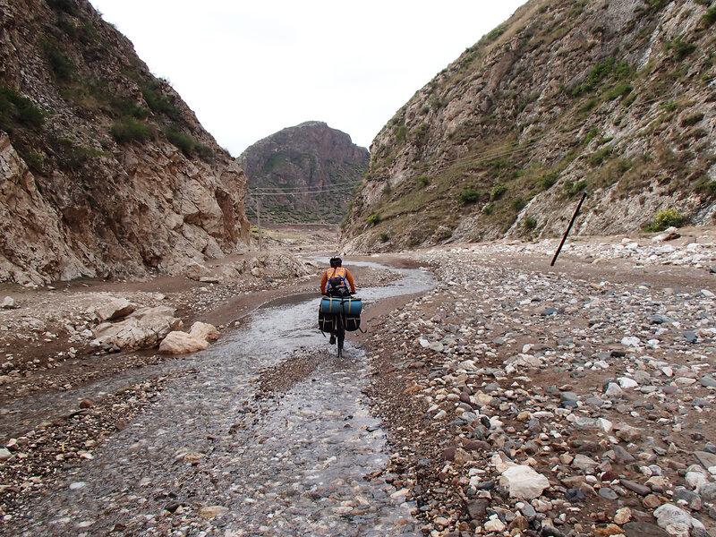 ущелье в горах Инь Шань во Внутренней монголии, Китай