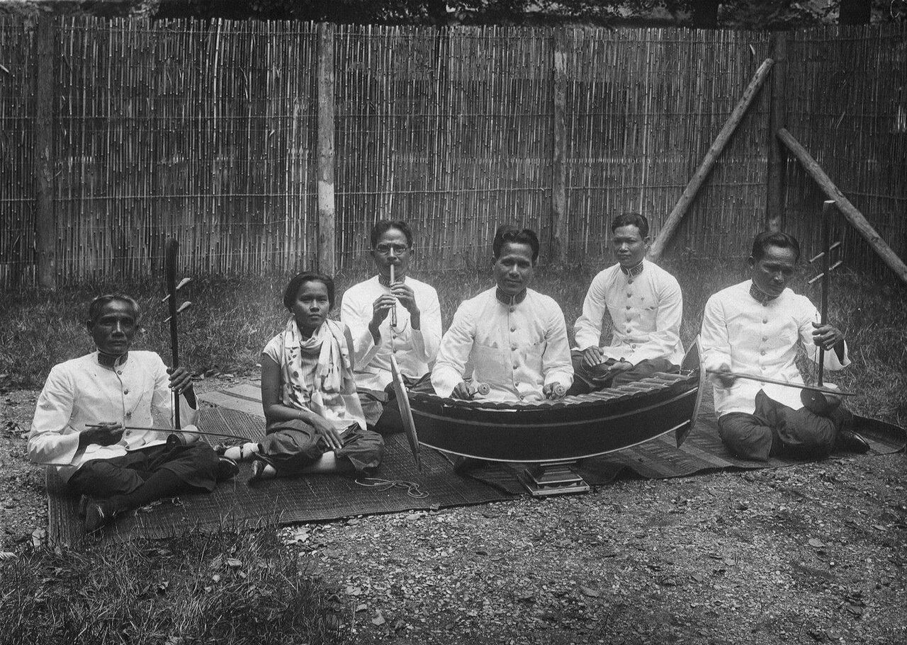Камбоджа.Традиционный оркестр «Мохори»
