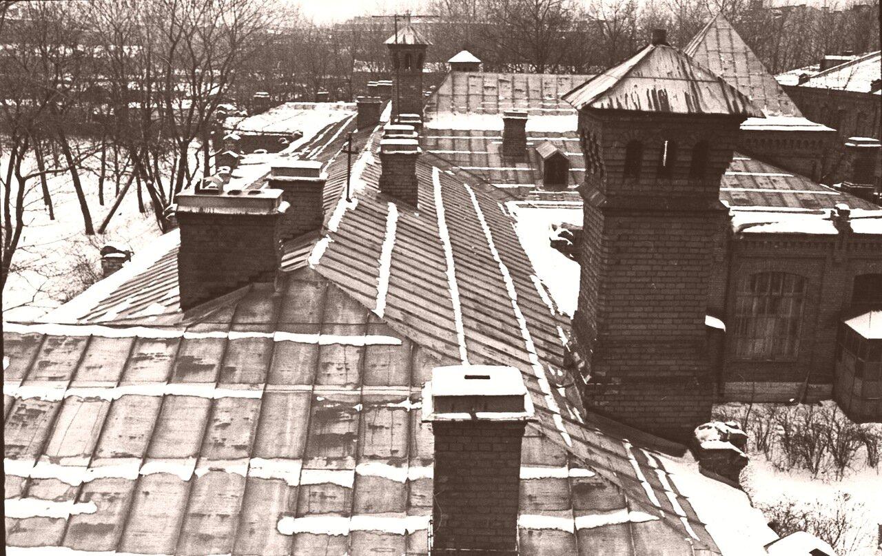 1976. Крыши б-цы им. Я.М. Свердлова