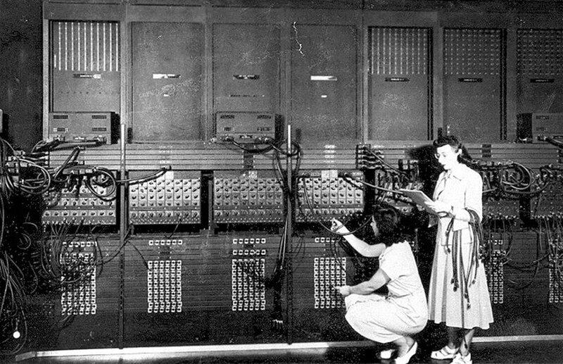 Esther Gerston and Gloria Gordon working as programers on the ENIAC computer, USA 1946.