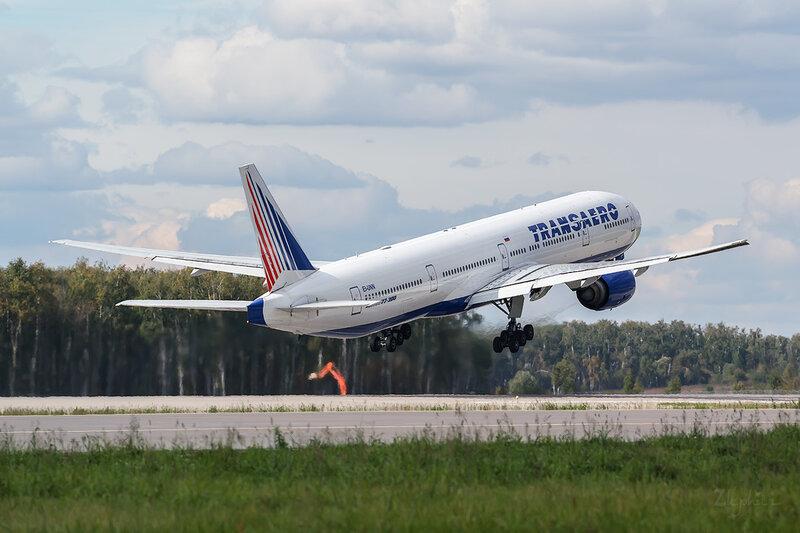 Boeing 777-312 (EI-UNN) Трансаэро D802832