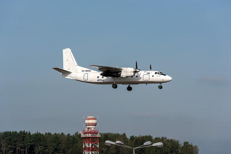 Антонов Ан-24РВ (RA-46532) ЮТэйр Экспресс DSC_3602