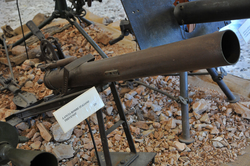 Italian grenade launcher, Thevenot 86 mm.Range 300 m.