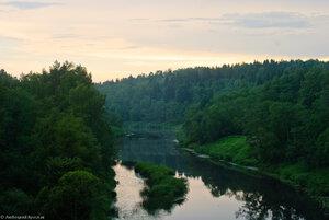 Река Угра в районе ж/д моста