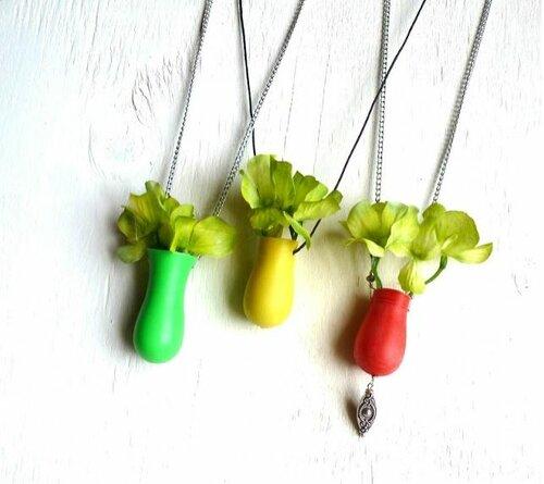 Миниатюрные ожерелья-вазы