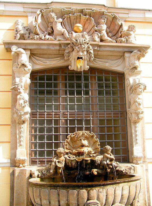 великолепный барочный фонтан