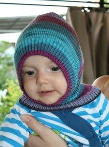 шапка шлем вязанная на ребенка
