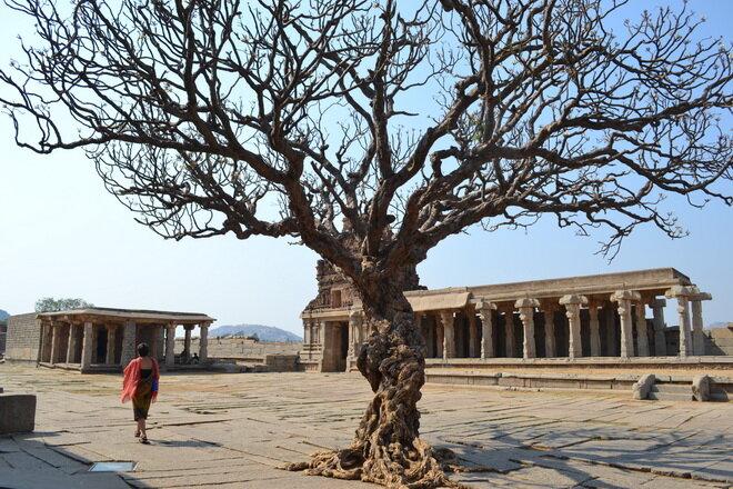 Хампи. Руины древнего города Виджаянагара. Индия