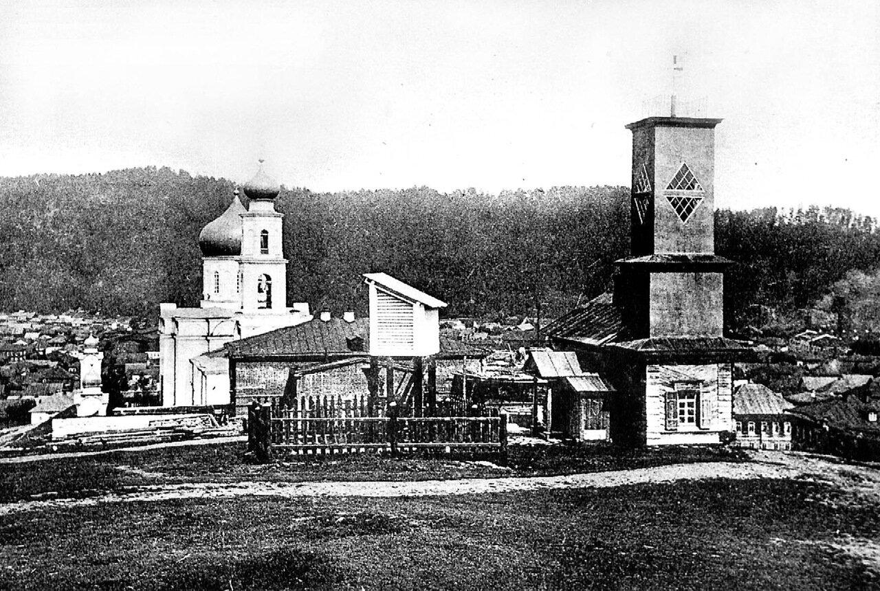 Метеовышка и Никольский собор