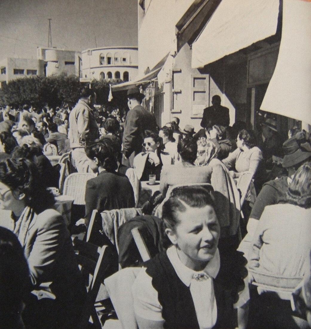 1948. Жители Тель-Авива накануне провозглашения независимости