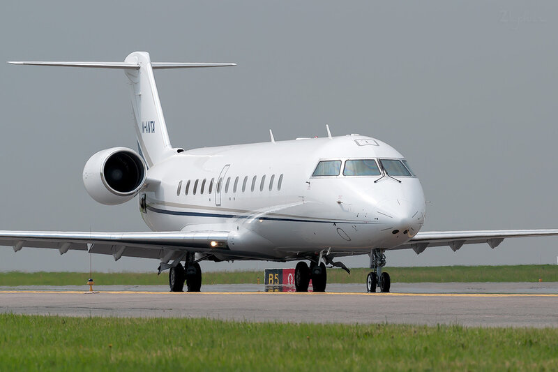Bombardier CL-600-2B19 Challenger 850 (M-ANTA) DSC1985