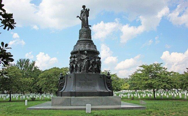 Гражданская война надгробий