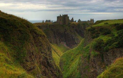 Замок Данноттар – самая неприступная крепость Шотландии (19 фото)