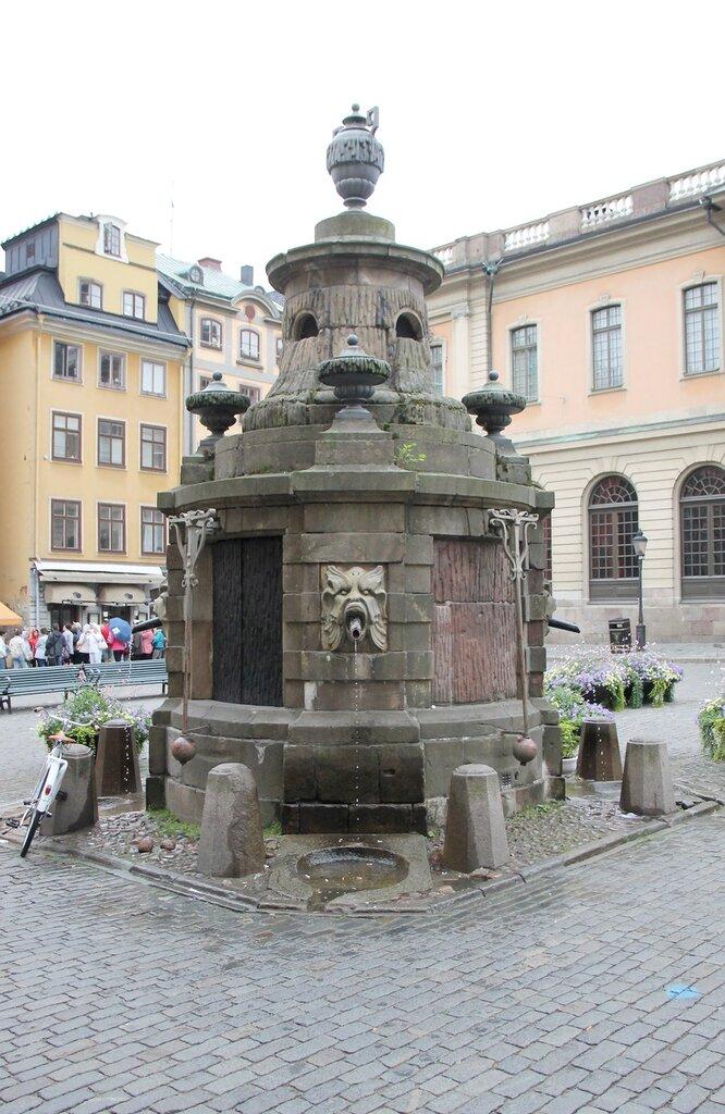 Stockholm, Stortorget square. well