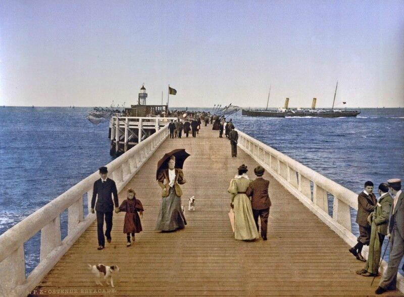 Pier, Ostend, Belgium, ca. 1890-1900.jpg
