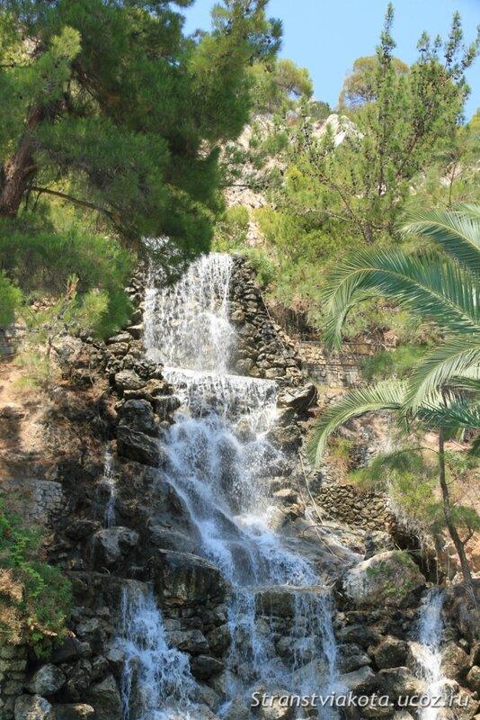Peloponnes, водопад в Лутраки