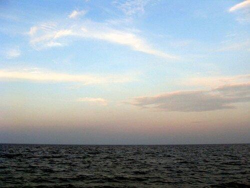 В походе летнем, морском