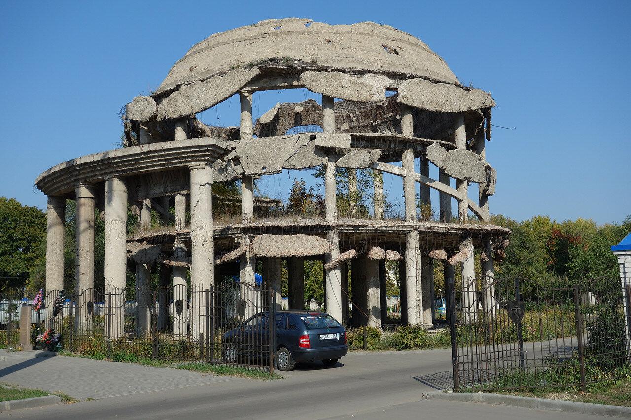 ротонда - развалины больницы, разрушена ВОВ