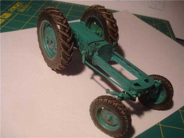 Трактор с картона