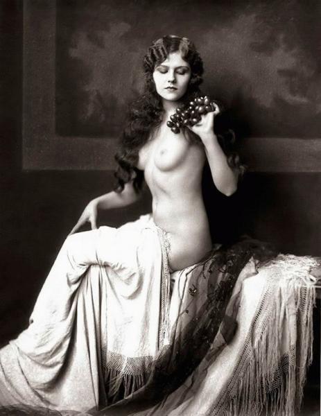 фото голых женщин 20 века