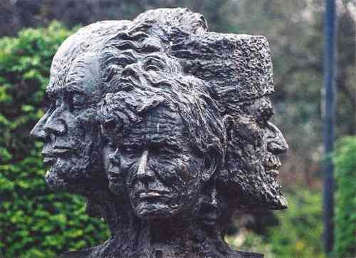 памятник жертвам Ялты