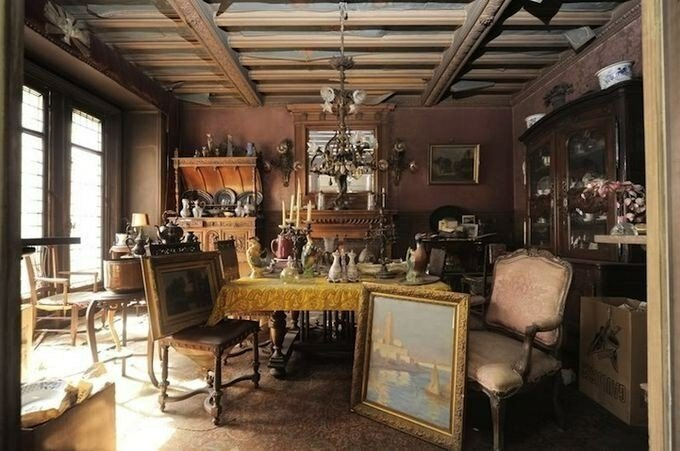 В Париже нашли квартиру, нетронутую в течении 70 лет (9 фото)