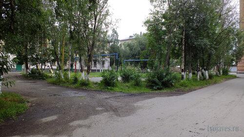 Фото города Инта №5344  Двор домов Мира 1 и Чайковского 5 30.07.2013_13:28