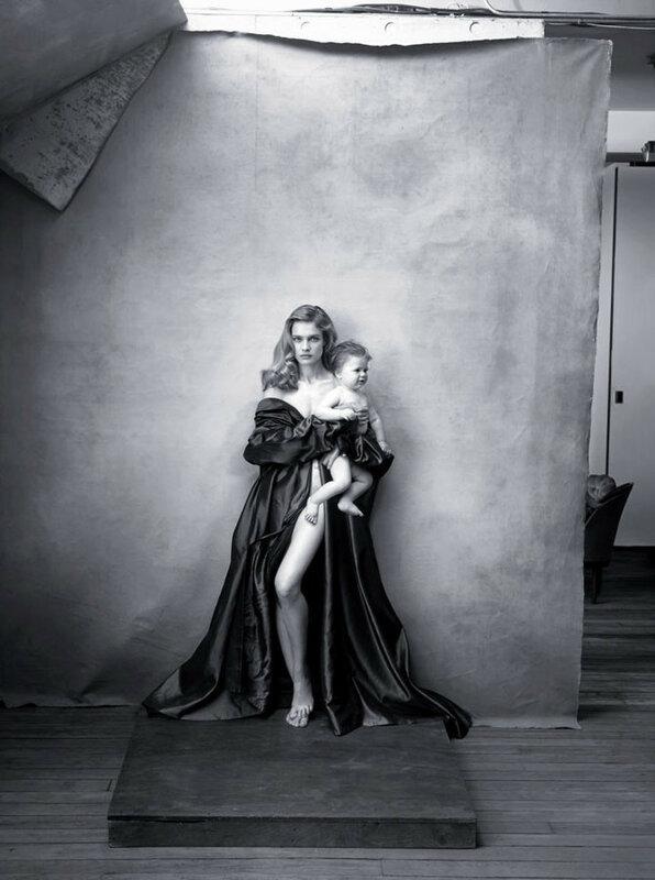 Календарь Pirelli 2016 опубликовал не фото моделей, а женщин, меняющих мир своей деятельностью