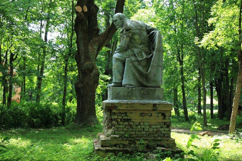Ольгово, памятник Ленину