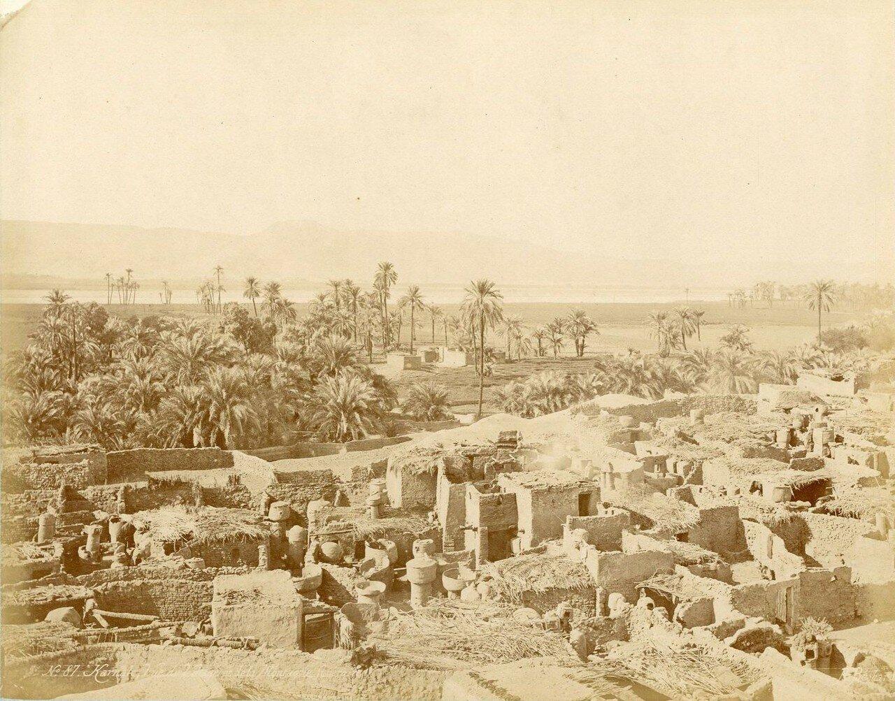 Карнак, с видом на деревню и горы