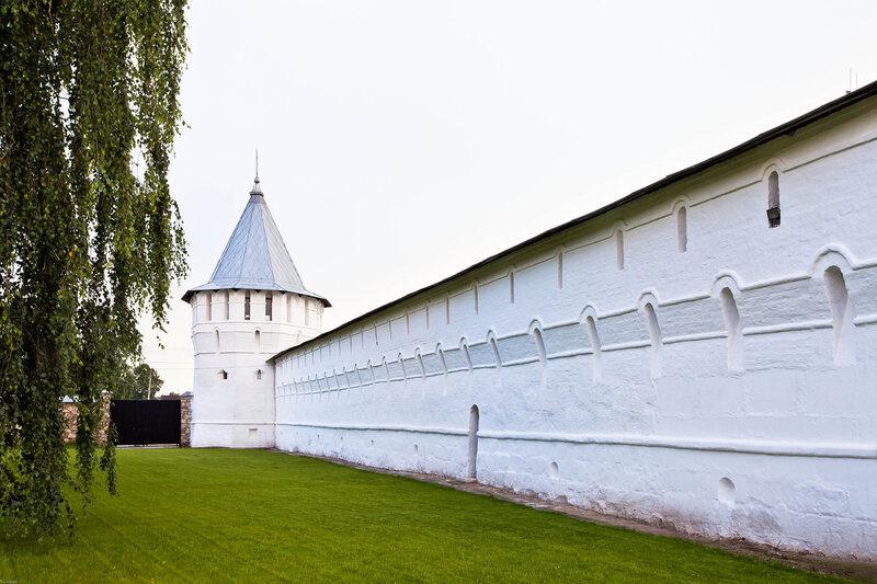 Башни Высоцкого Серпуховского монастыря