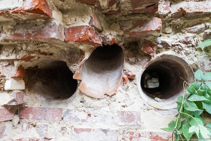 Остатки вентиляционных каналов замка