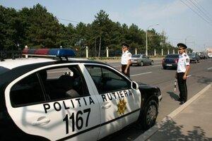 Полицейские машины в Молдове часто попадают в ДТП
