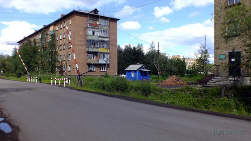 Фото города Инта №5085  Дзержинского 4 и Промышленная 24 14.07.2013_12:50