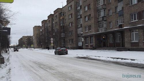 Фото города Инта №6245  Восточная сторона Воркутинской 15 (почтовое отделение №1) 13.11.2013_11:26