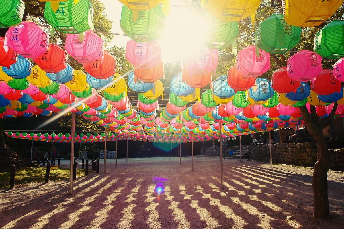 27. Третьим пунктом по ночлегу в Корее был монастырь. Во время Мирового кубка по футболу — 2002 прав